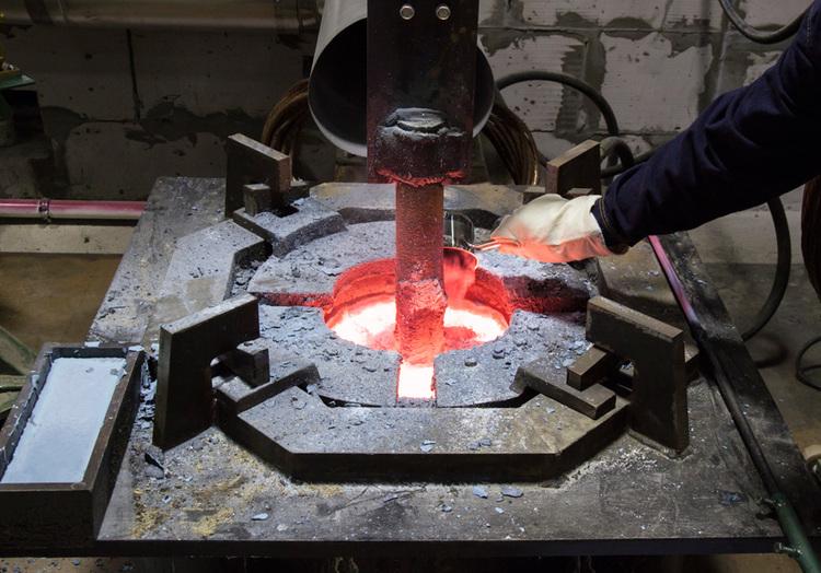 Электролиз оксида неодима